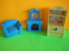 Vintage Loving Family Dollhouse Living Room w Couch, Fireplace, Toy Box ... - $7.99