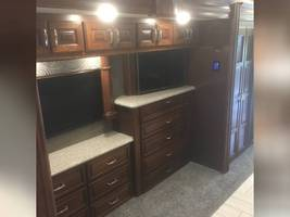 2018 AMERICAN COACH AMERICAN REVOLUTION 42S FOR SALE IN Avon, Indiana 46123 image 14