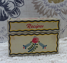 Vintage Tin RECIPES BOX // Hearts & Flowers // Pennsylvania Dutch - $10.50