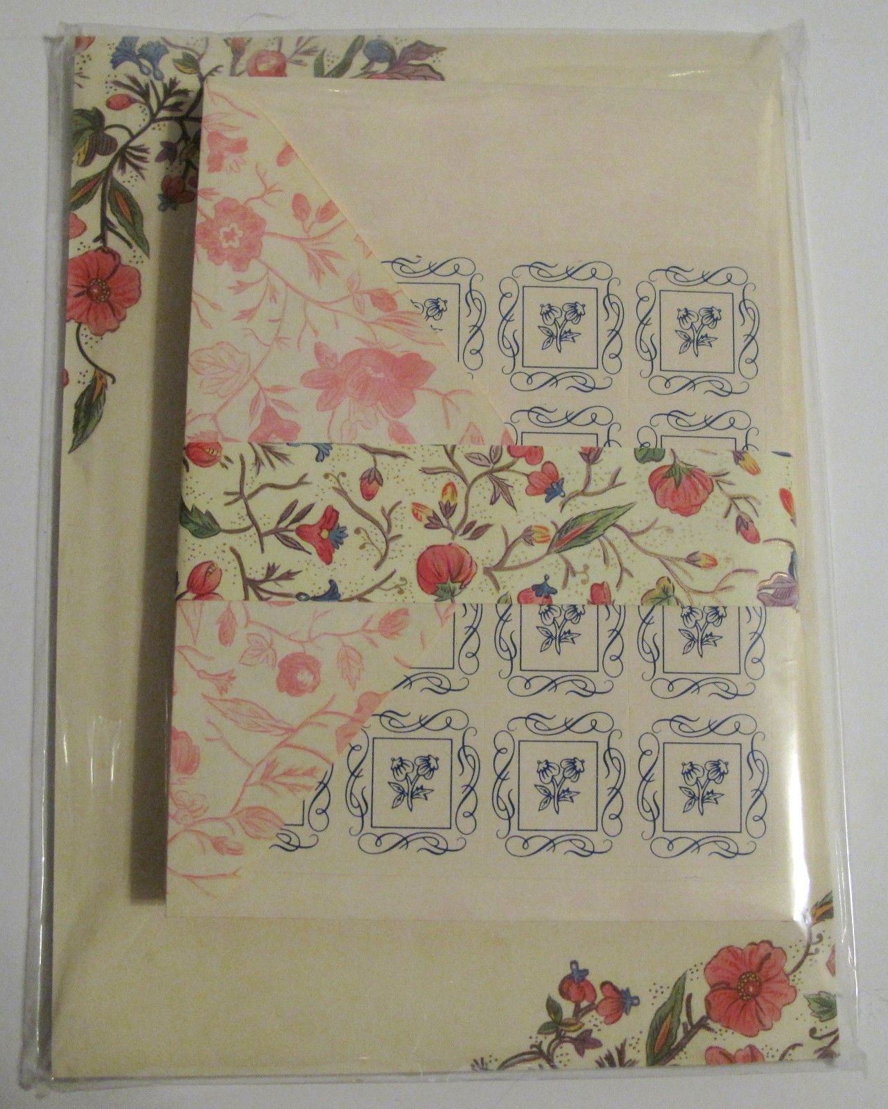 Primary image for Decorative Vintage Writing Paper Matching Envelopes in Rigid Cardboard Keeper