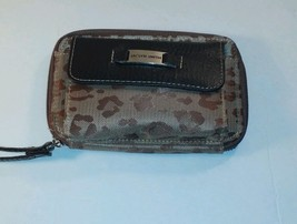 New Women's Jaclyn Smith Cheetah print Wallet With Wrist Strap - $7.92