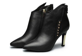 PB007 sexy luxury & elegant booties w studs, genuine leather , size 34-39, black - $81.22