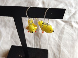 Glass blown dangly yellow bird earrings, 3/4 inches