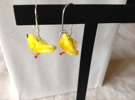 Glass blown dangly yellow bird earrings, 3/4 inches image 3
