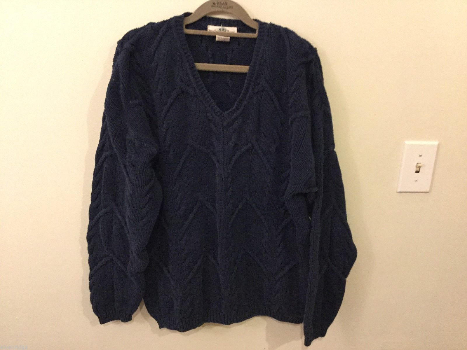 Mens Boston Traders Navy Blue Sweater, Size Large