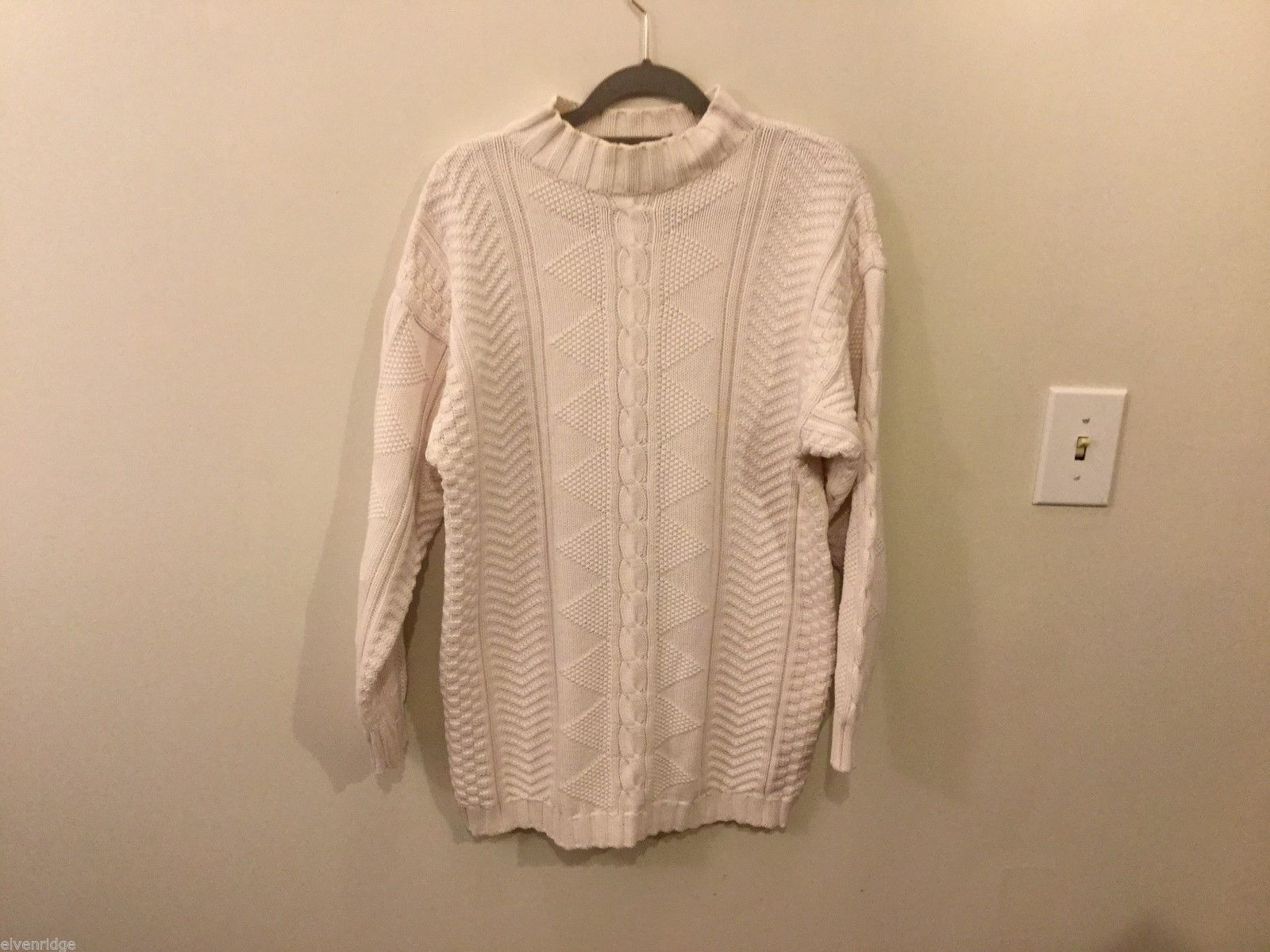 Womens Lizwear White Collared Sweater, Size Small