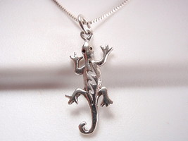 Gecko Pendant 925 Sterling Silver Corona Sun Jewelry - $2.96