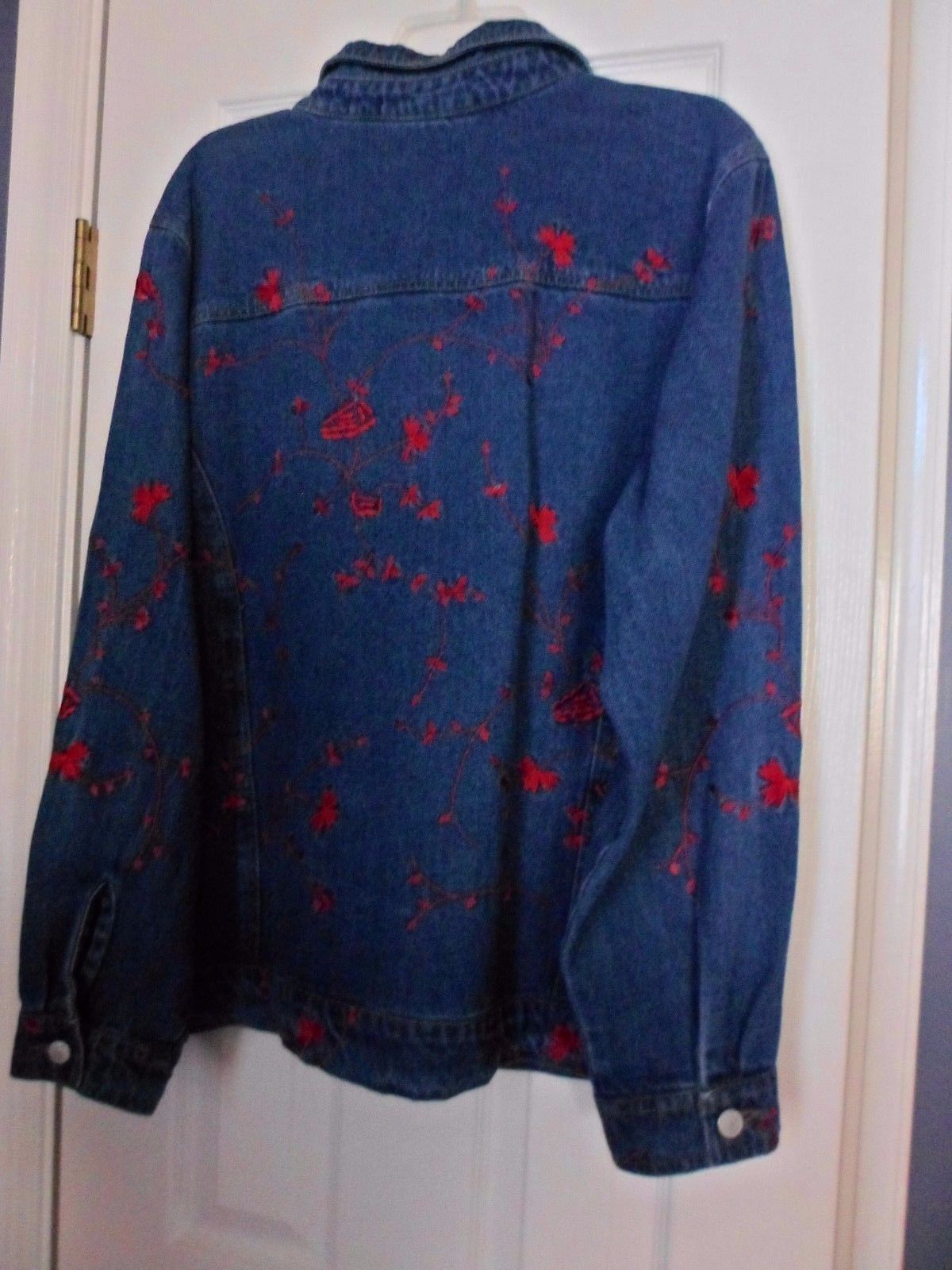 Denim & Co Blue Jean Jacket Button Front Red floral Embroidery Womens Size L
