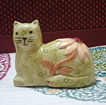 Vintage Single Calico Cat Salt Shaker // Replacement // Cat with Flower - $5.20