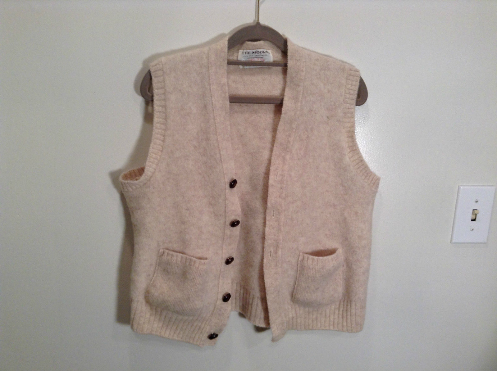 The Moors 100 Percent Shetland Wool Lord Jeff Beige Vest with Pockets