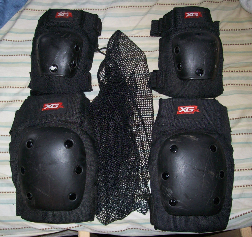 X Games Landing Gear Knee & Elbow Pads By Bell - Large w/Mesh Storage Bag