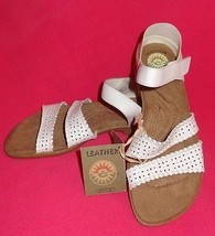 New Earth Spirit White Sandal Size 6 Leather Beach Casual Open Toe Shoes