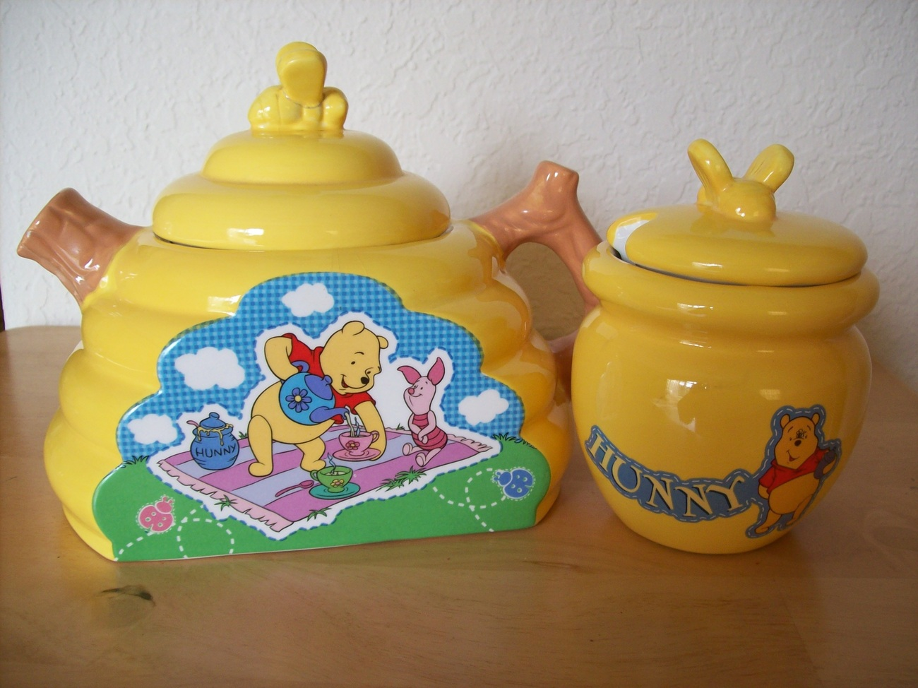 Disney Winnie the Pooh and Piglet Teapot and Hunny Jar