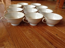 Collection of 18 tea cups and 8 saucers vintage from estate image 8