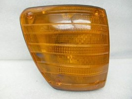 Passenger Corner/Park Light 116 Type 450SEL Fits 72-80 MERCEDES 450 17799 - $35.63