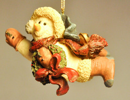 Boyds Bears & Friends: Chilly With Wreath - # 2564 - Folkstone Ornament - $15.34