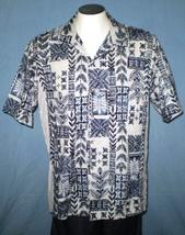 Hawaii XL Button Down Hawaiian Shirt with Pocket Geometric Floral - $25.00