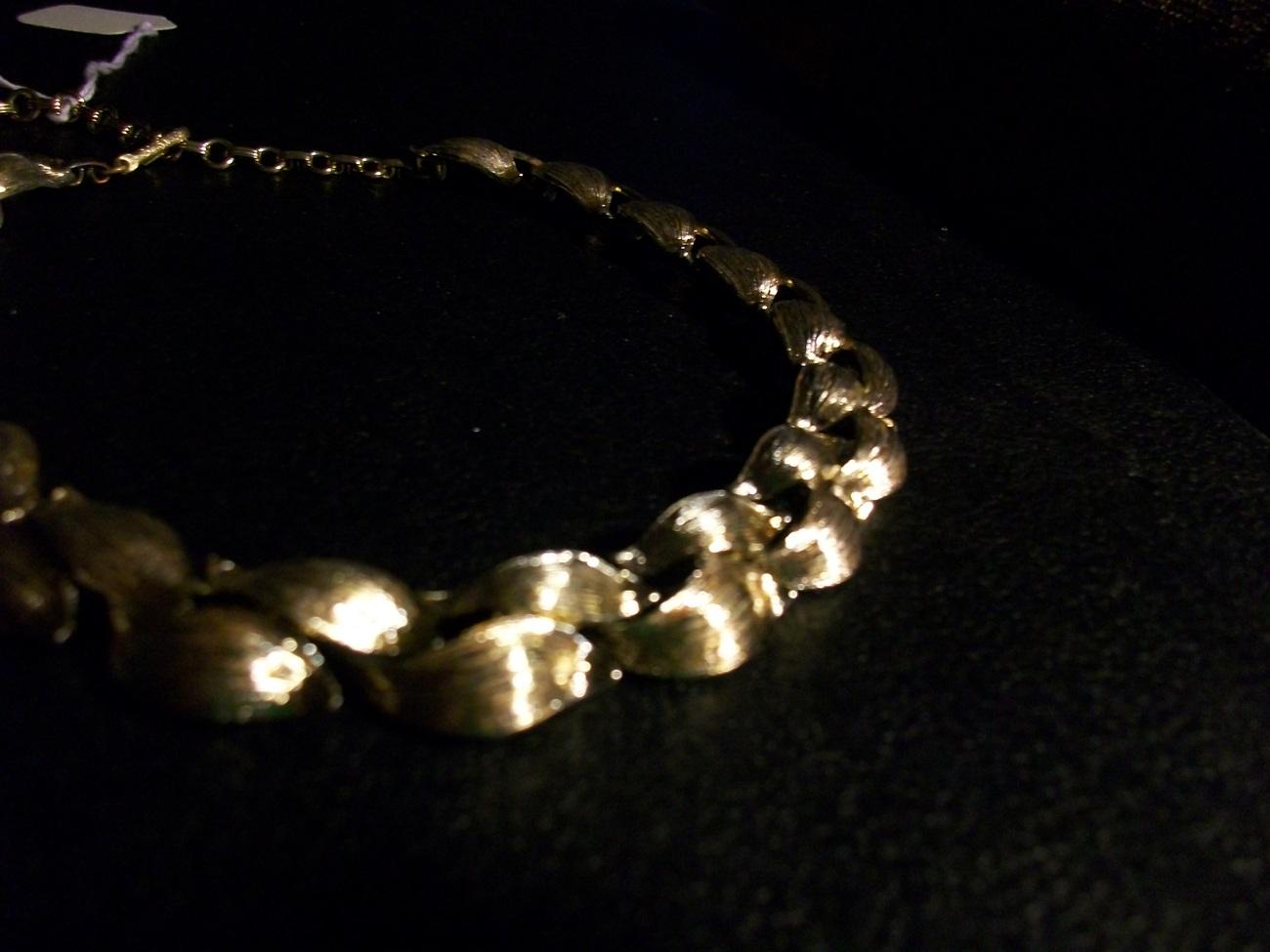"12- 15"" Lisner Choker Necklace - Brilliant Gold Tone"