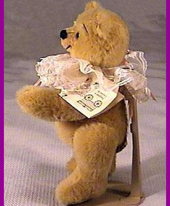 Artist 10.5 inch Teddy Bear by Diane Babb 1984