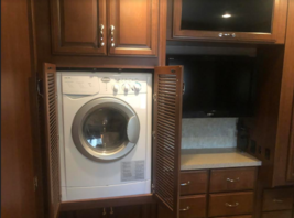 2013 Fleetwood Bounder 35K FOR SALE IN Dickenson, ND 58601 image 7