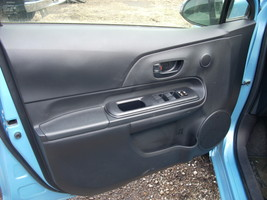 2015 TOYOTA PRIUS LEFT FRONT DOOR TRIM PANEL