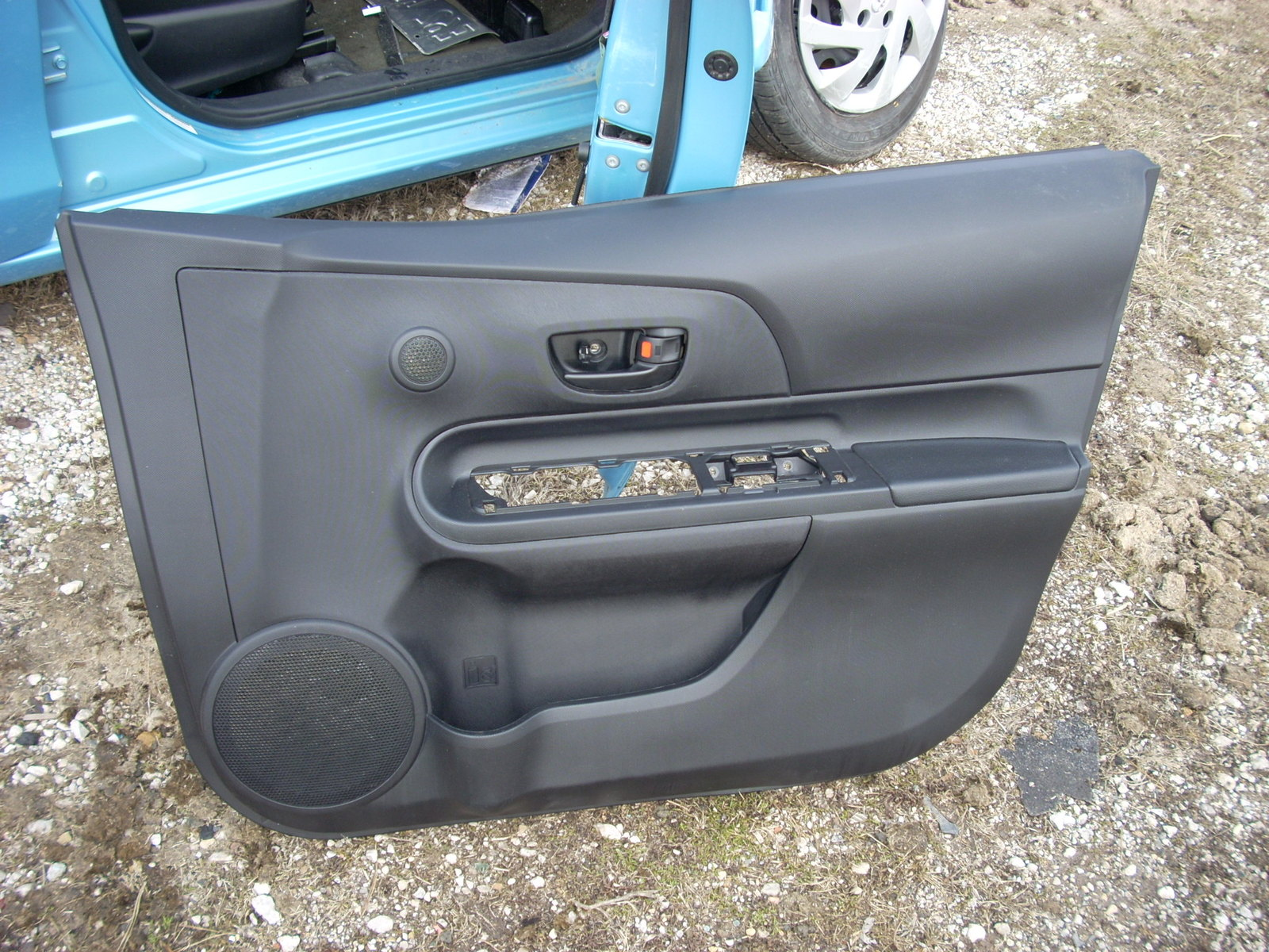 2015 TOYOTA PRIUS RIGHT FRONT DOOR TRIM PANEL