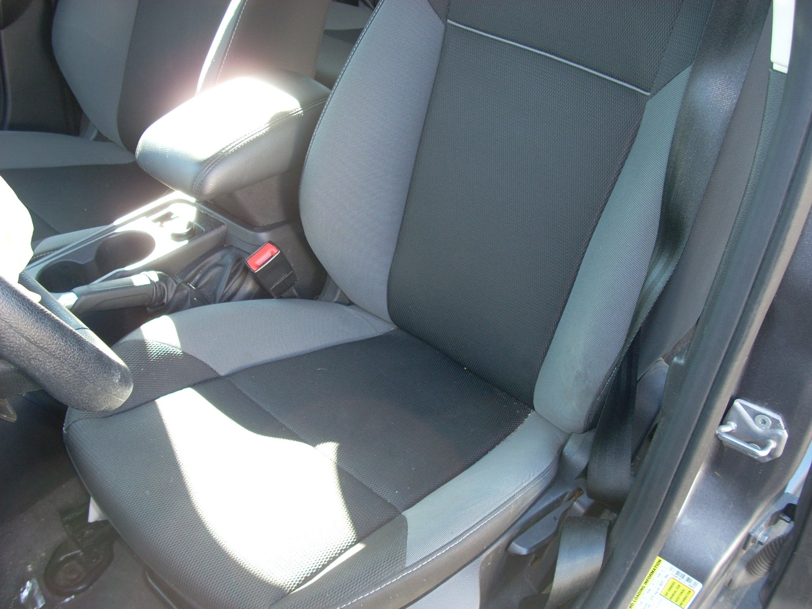 2012 FORD FOCUS LEFT FRONT SEAT