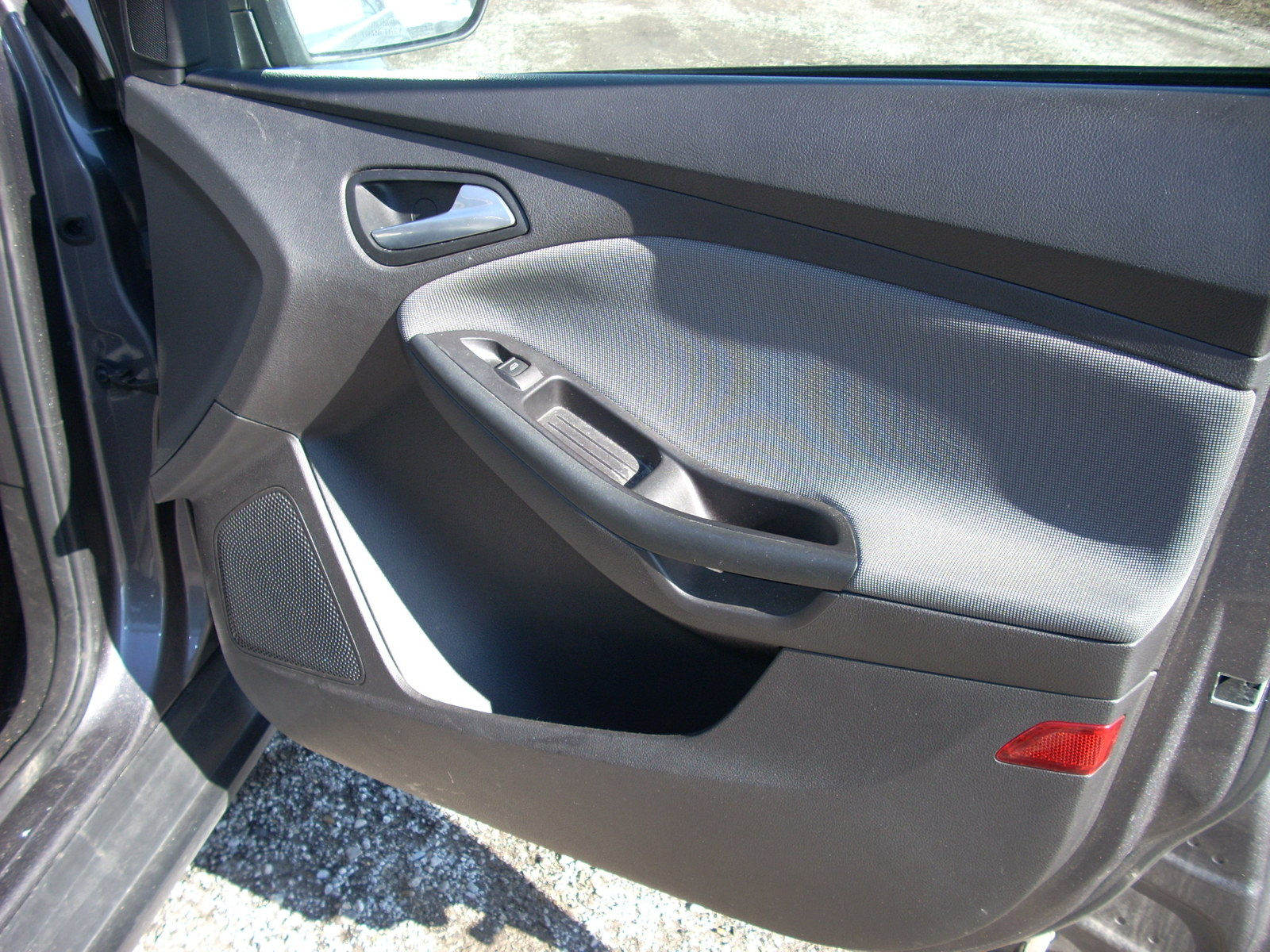 2012 FORD FOCUS RIGHT FRONT DOOR TRIM PANEL