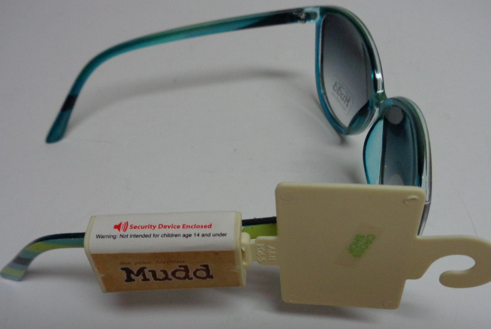 MUDD Sunglasses NWT Butterfly Yellow & Blue Striped 100% UV Protection