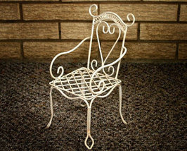 Decorative White Wire Chair - $12.00