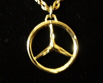 Gold plated mercedes benz emblem necklace circle for Mercedes benz pendant