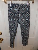 Justice Flower W/Square Design Capri Leggings Size 12 Girl's EUC - $15.20