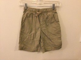 Circo Boys Green Khaki Shorts, Size Medium (8/10)
