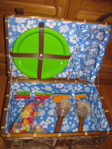 PICNIC BASKET BAMBOO LINING BLUE GREEN YELLOW RED  2 TIKI CANDLES 4 LEIS - $9.00