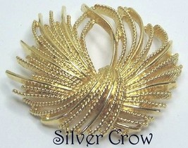 Vintage Monet Gold Tone Rope Textured  Swirl Pin Brooch Superb Condition - $17.99