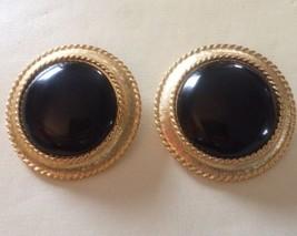 Vintage 80'S Trifari Black Cabochon Clip Earrings Goldtone - $9.74