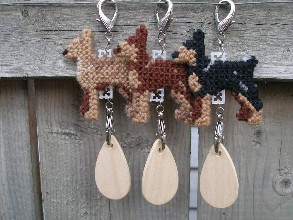 Miniature Pinscher dog crate tag or hang it anywhere, handmade, pick your color