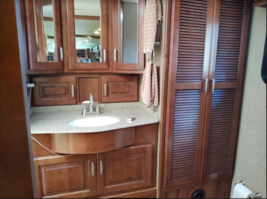 This 2014 Fleetwood Discovery 40E FOR SALE IN Punta Gorda, FL 33982 image 4