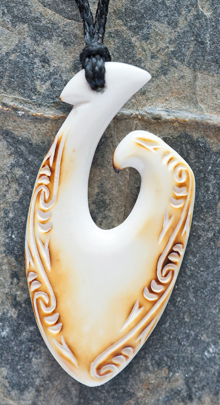 Maori matau hook bone carving pendant from new zealand