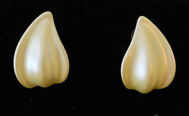 True Vtg Creamy White Ceramic Petal Pierced Earrings Hypo Allergenic Studs  - $19.75