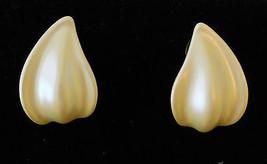 True Vtg Creamy White Ceramic Petal Pierced Earrings Hypo Allergenic Studs  - $19.75
