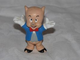 "VINTAGE APPLAUSE PORKY PIG-CARTOON-WARNER BROS.-2 1/2""-BARN-COWS-FARMER-... - $6.50"