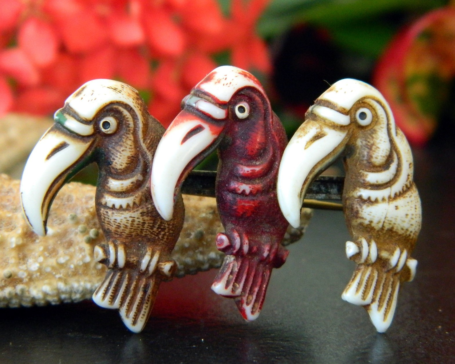 Vintage toucans birds trio pin brooch early plastic celluloid figural