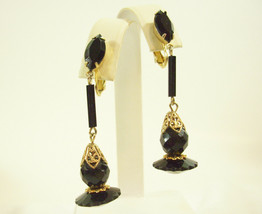 JET BLACK Faceted Glass Dangle Filigree Gold Plate Clip Earrings Vintage... - $15.83