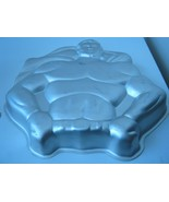 Wilton DC Comics Super Heroes Batman / Superman Cake Pan (502-1212) - $17.17