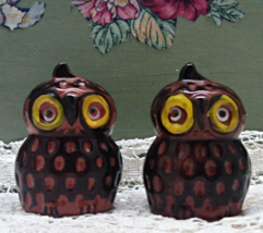 Vintage Red Clay Hand Painted Owl Salt & Pepper Shaker Set // Novelty Sh... - $7.50