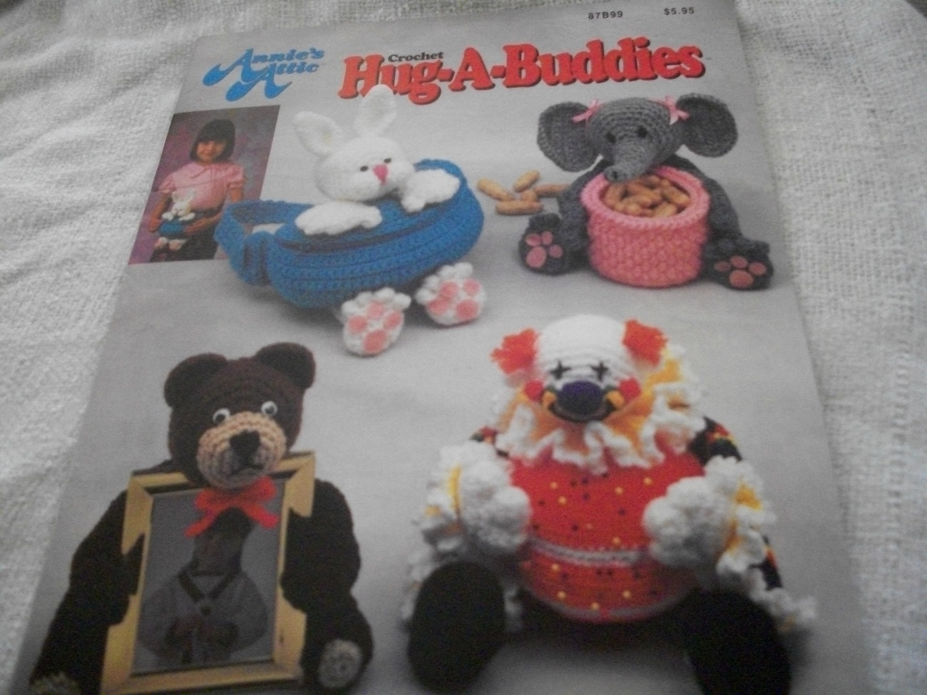 Primary image for Crochet Hug-A-Buddies Craft Book