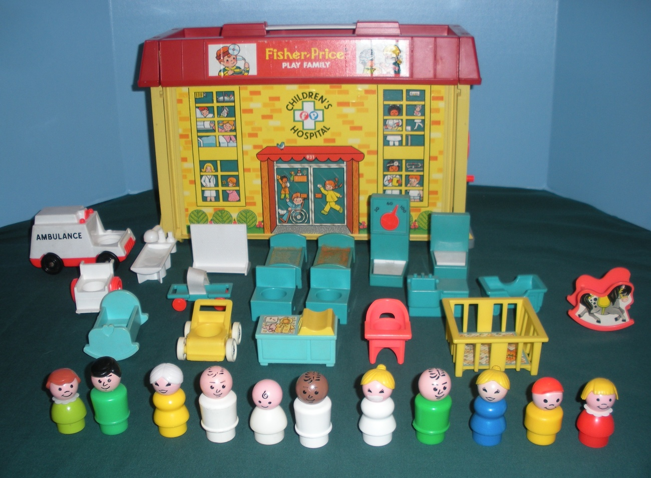 Vintage Fisher Price 931 Play Family Hospital Complete