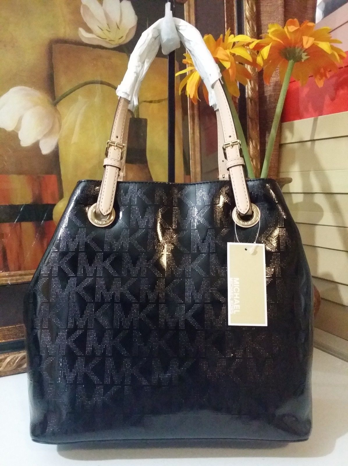 NWT Michael Kors Jet Set Grab Bag Tote Bag MK Sig Patent Leather Black MSRP $268