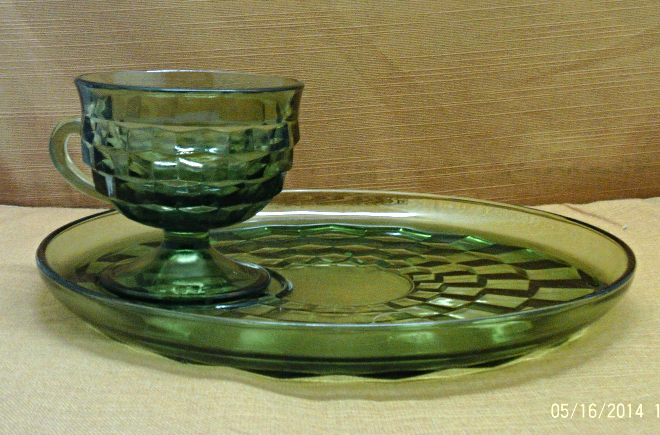 Vintage 16 Piece Indiana Glass Green Whitehall Cubist Pattern Snack Set